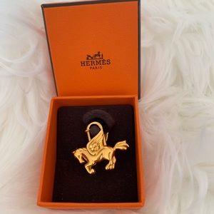 Hermès Pegasus Cadena Charm